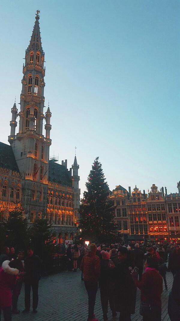 Рождественская ярмарка на Гроте-Маркт в Брюсселе