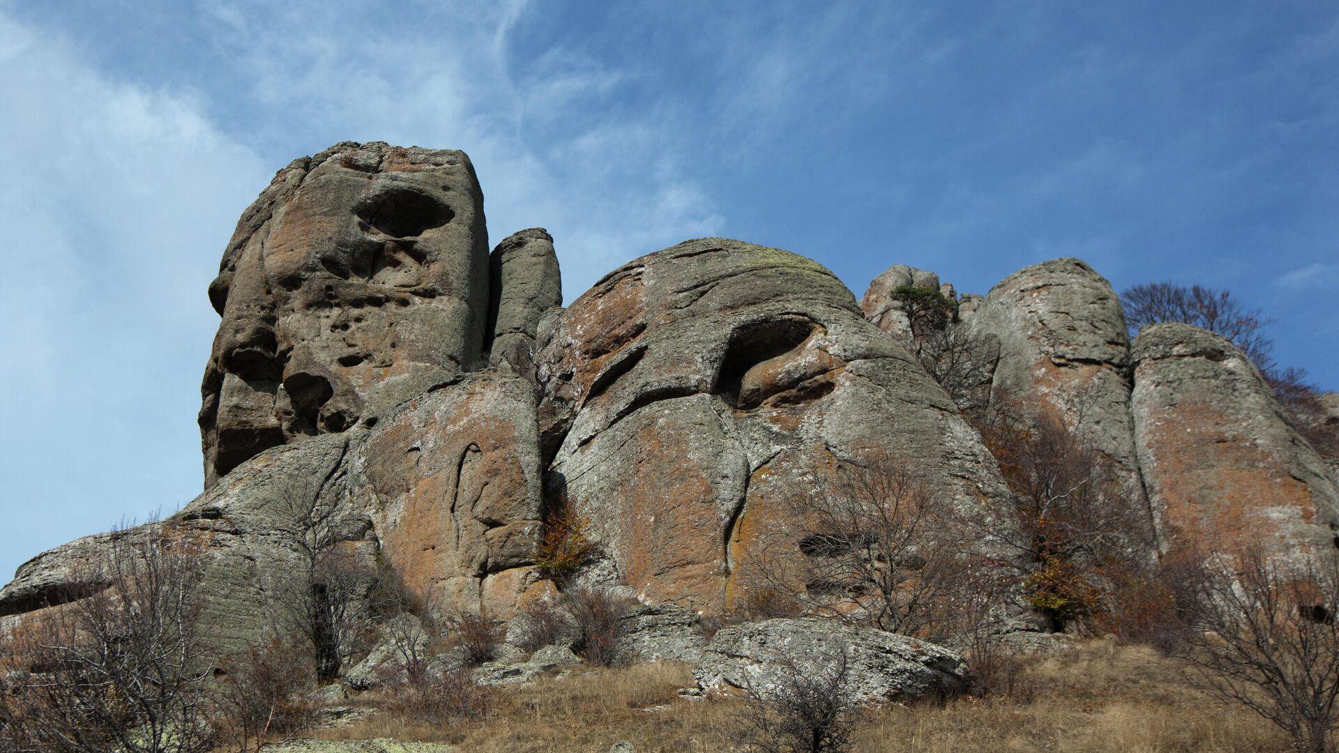 Скала Голова Екатерины над южным склоном горы Демерджи в Крыму. - РИА Новости, 1920, 23.10.2020