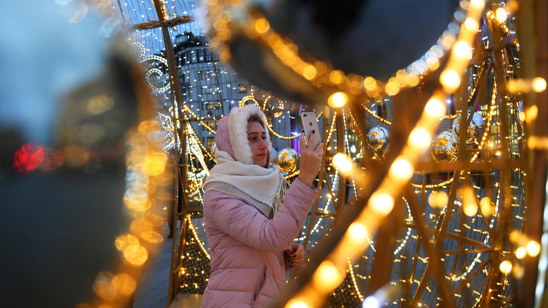 Новогоднее украшение центральных площадей и улиц Москвы - РИА Новости, 1920, 09.09.2020