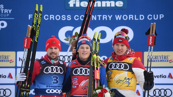 Сергей Устюгов, Йоханнес Хёсфлот Клебо и Александр Большунов (слева направо)