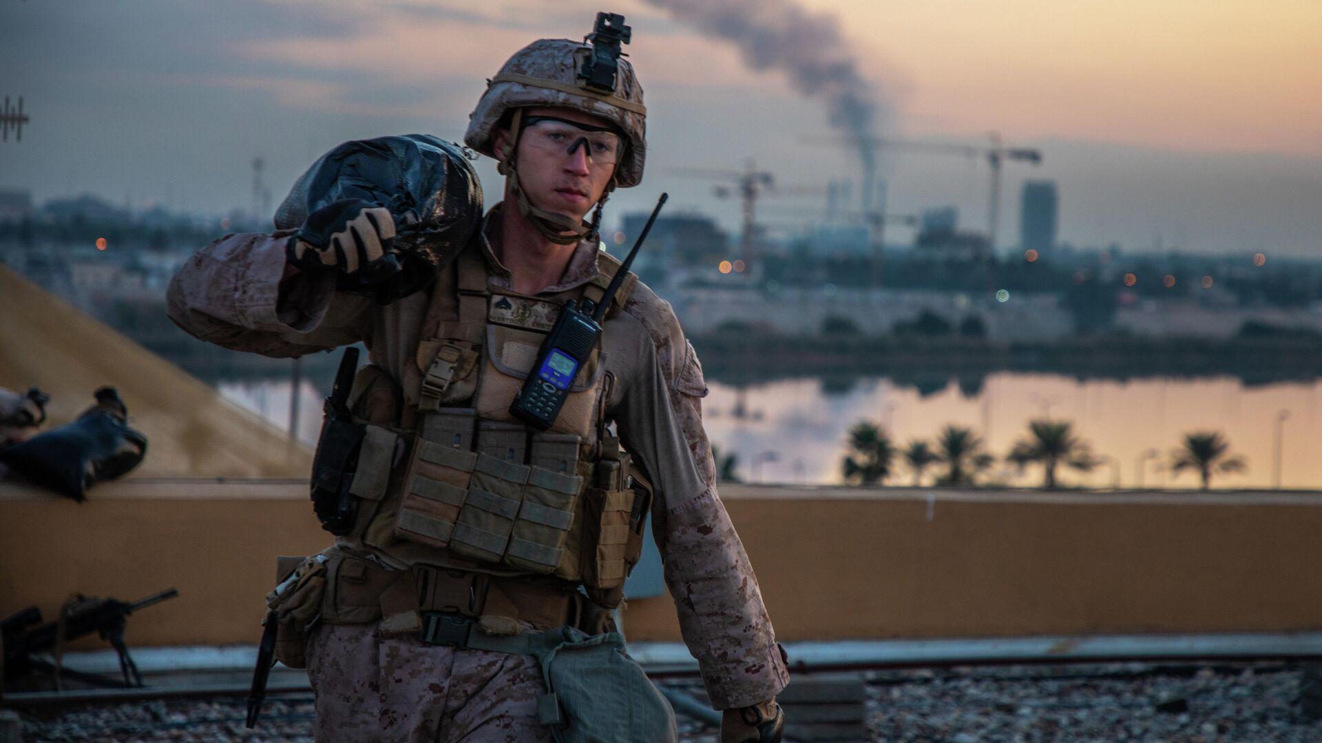 Американский морской пехотинец на территории посольства США в Багдаде, Ирак. 4 января 2019 - РИА Новости, 1920, 17.03.2020