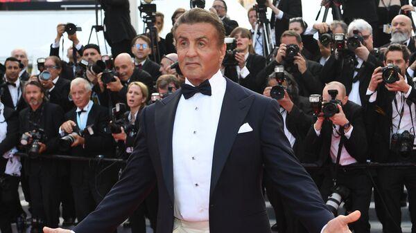 Актер, режиссер Сильвестр Сталлоне на красной дорожке церемонии закрытия 72-го Каннского международного кинофестиваля