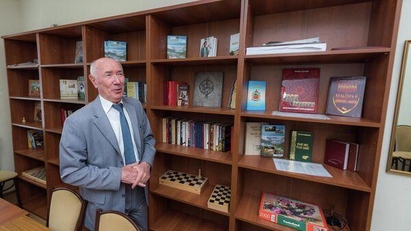 Чрезвычайный и Полномочный посол РФ в Южной Осетии Эльбрус Каргиев в посольстве РФ в Цхинвале.