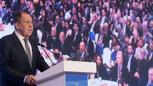 Глава МИД РФ Сергей Лавров выступает на пленарной сессии международной конференции Диалог Райсина в индийском Нью-Дели