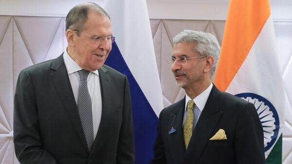 Министр иностранных дел РФ Сергей Лавров перед началом переговоров с министром иностранных дел Индии Субраманиамом Джайшанкаром