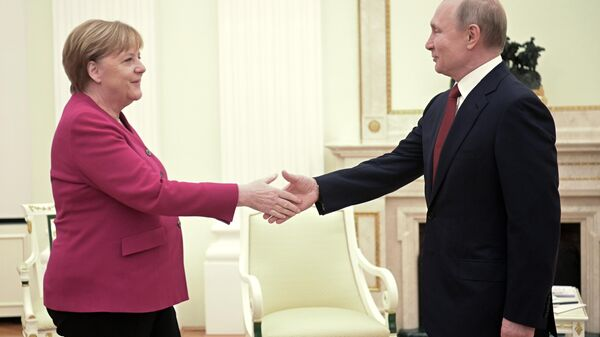 Президент РФ Владимир Путин и федеральный канцлер Германии Ангела Меркель во время встречи. 11 января 2020