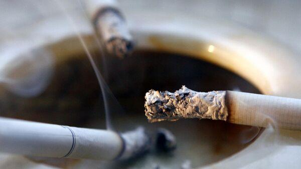 Эксперт объяснил, когда могут наказать за курение на балконе
