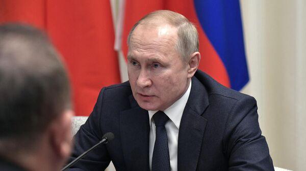 Поездка президента РФ Владимира Путина в Берлин для участия в Международной конференции по Ливии
