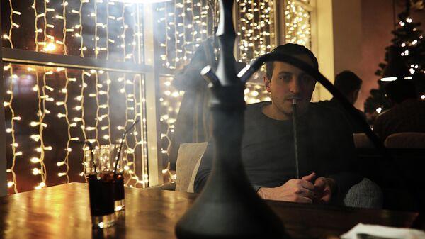 Кальян в ночном клубе