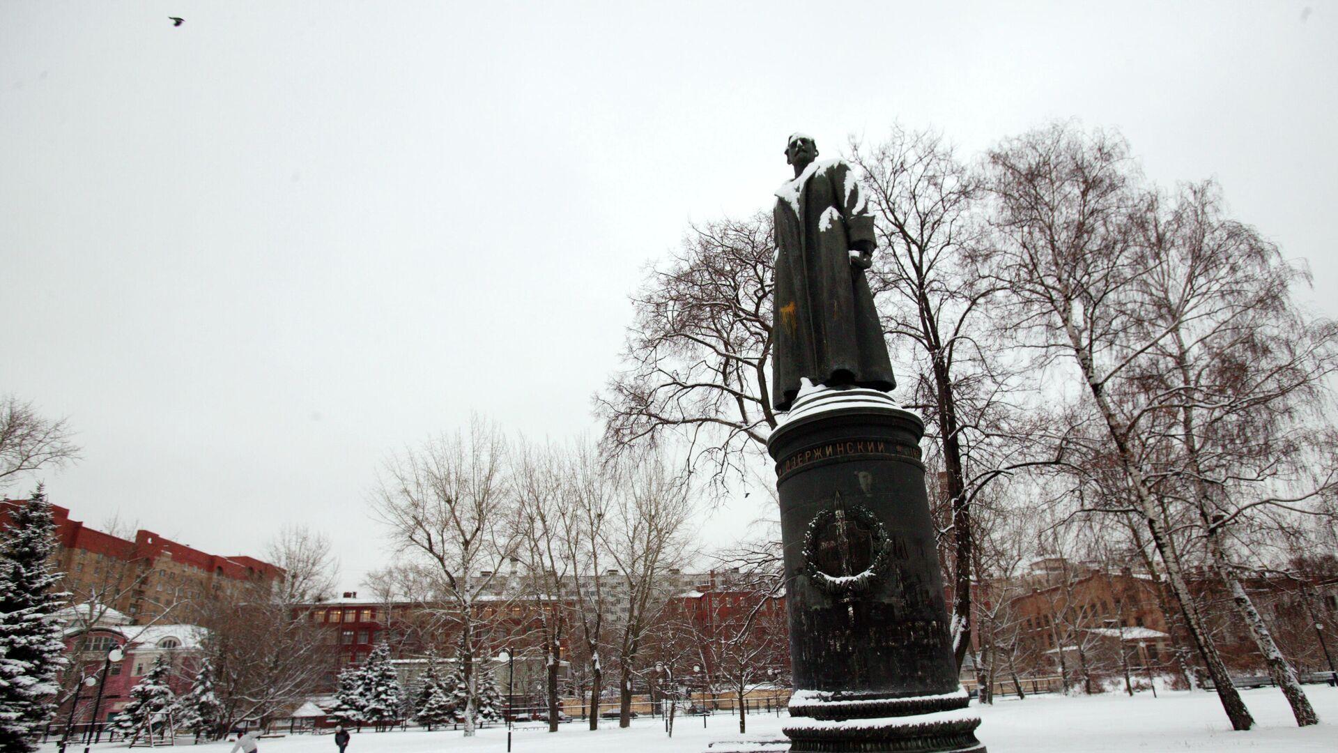 Бронзовый памятник Ф.Э. Дзержинскому. Автор-скульптор Евгений Вучетич - РИА Новости, 1920, 08.02.2021