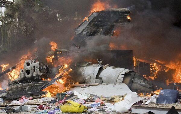 Самолет ВМС США F-18 потерпел катастрофу, упав в зоне жилых домов в районе Сан-Диего