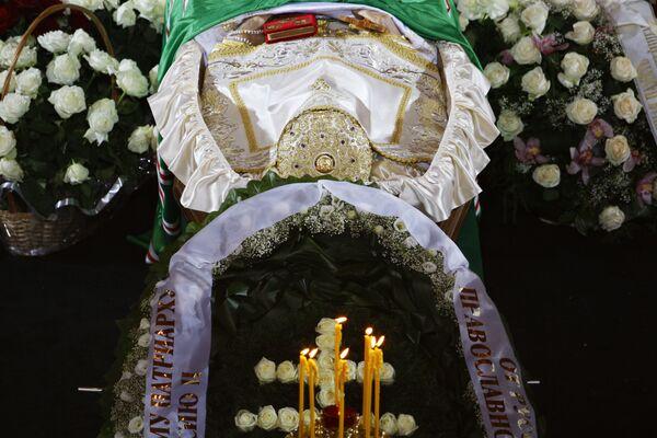 Заупокойная Божественная литургия по патриарху Московскому и всея Руси Алексию II в храме Христа Спасителя