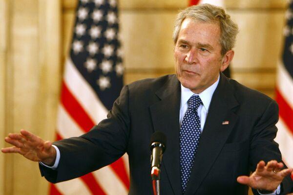 Президент США Джордж Буш на пресс-конференции в Багдаде