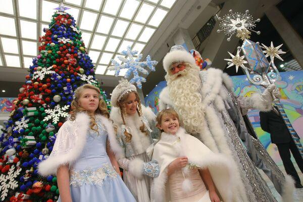 Почти 5,5 тысяч детей посетят Всероссийскую елку в Кремле