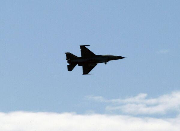 Израильский самолет, проводивший бомбардировки в секторе Газа