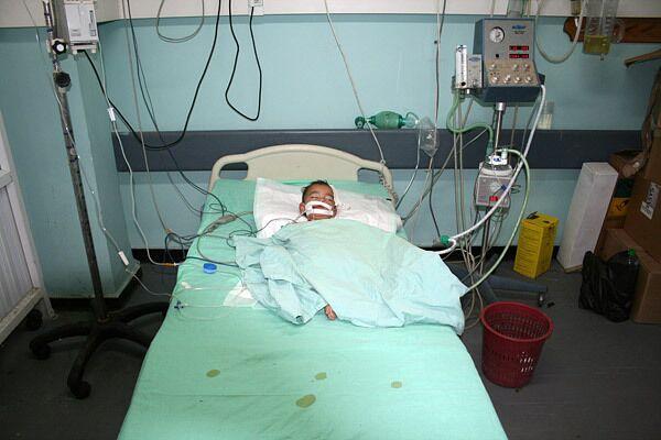 Палестинский ребенок, пострадавший в ходе израильской операции в секторе Газа