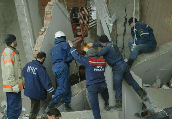 Число погибших при обрушении офисного здания в Красноярске увеличилось
