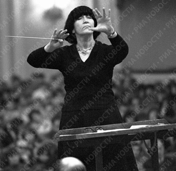 Народная артистка СССР Вероника Дударова