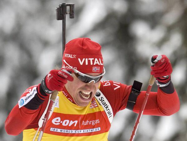 Эмил Хегле Сведсен во время спринтерской гонки на шестом этапе Кубка мира по биатлону