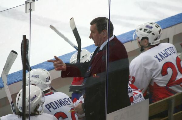 Главный тренер Металлурга Валерий Белоусов