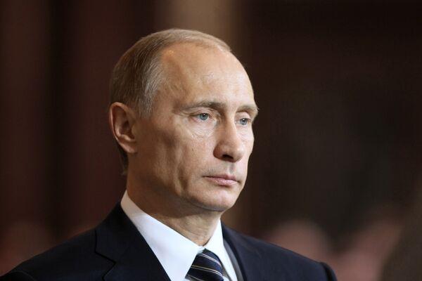 Отчет премьер-министра Владимира Путина перед Госдумой 6 апреля о результатах работы правительства за 2008 год плавно перетек в анализ текущих антикризисных мер правительства.