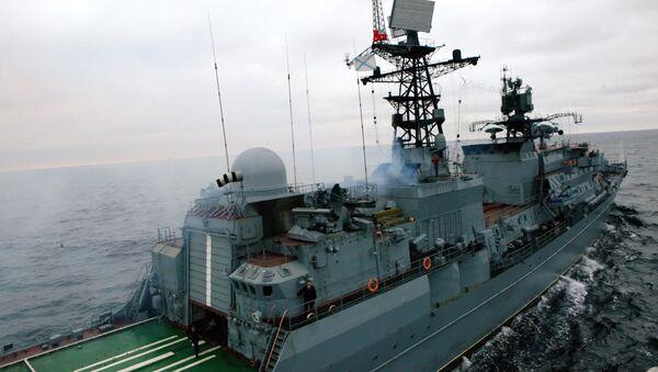 Сторожевой корабль Неустрашимый вернулся из района Африканского рога, где обеспечивал безопасное плавание гражданских судов многих стран в связи с возможным нападением пиратов.
