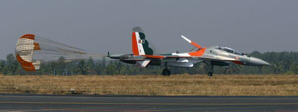 Российский истребитель Су-30 на Aero India-2009 в Бангалоре