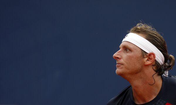 Давид Налбандян снялся с турнира в Барселоне
