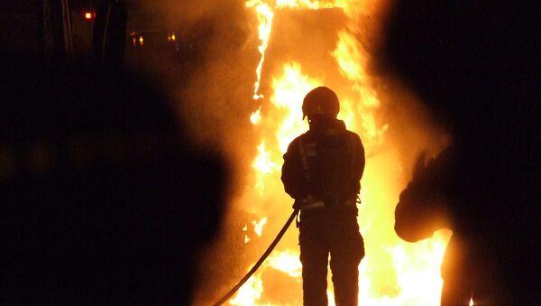 Огонь в здании МПС угрожает третьему этажу - МЧС