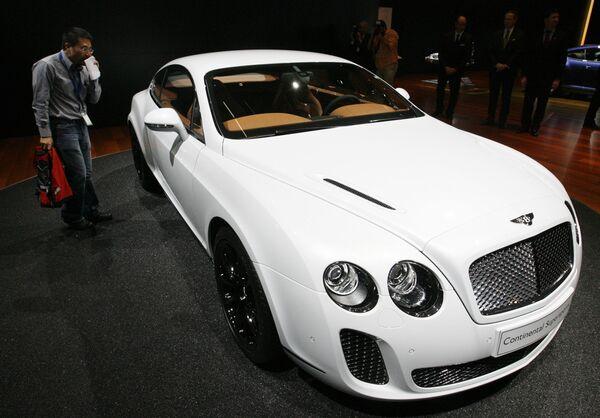 Неизвестные похитили дорогостоящий Bentley в центре Москвы