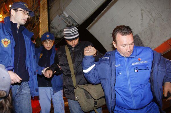 Прилет в аэропорт Домодедово самолета МЧС России ИЛ-76 с пострадавшими российскими туристами во время автокатастрофы во Вьетнаме.