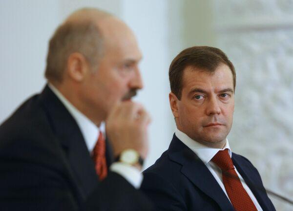 Президент России Дмитрий Медведев и президент Белоруссии Александр Лукашенко. Архив