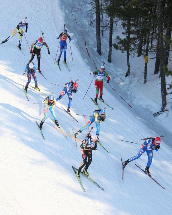 Садилова и Васильев выступят в спринте на этапе КМ по биатлону в Швеции
