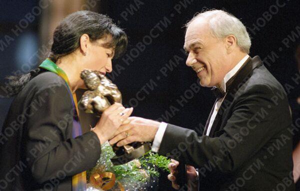 Владимир Познер и Елена Масюк
