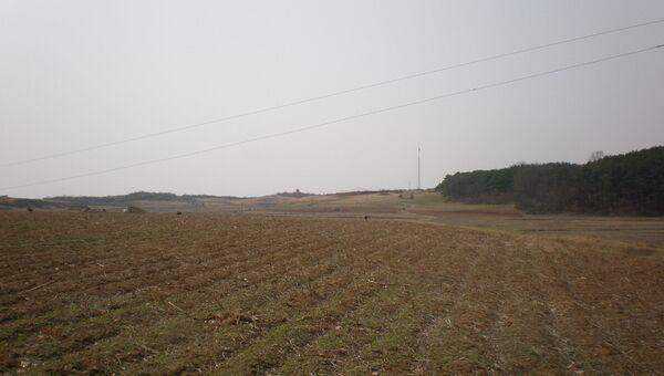 Демилитаризованная зона между Северной и Южной Кореей. Архивное фото