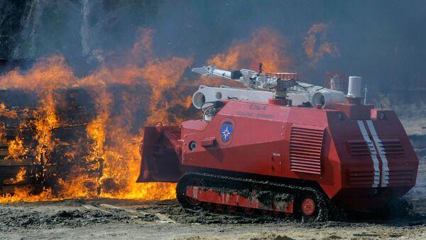 Техника для тушения пожаров. Архивное фото