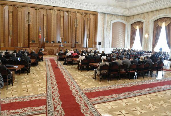 Заседание парламента Молдавии