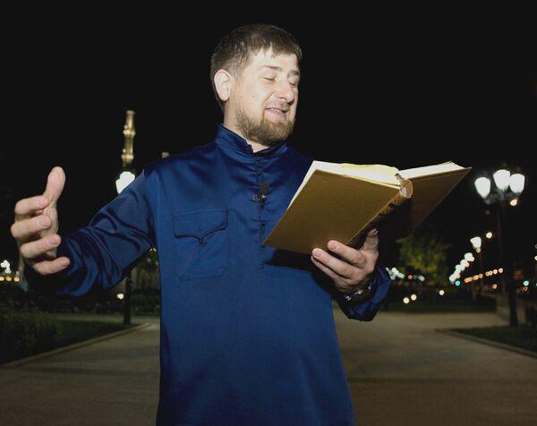 Президент Чечни Р.Кадыров продекламировал перед журналистами стихотворение Пушкина Кавказ в Грозном