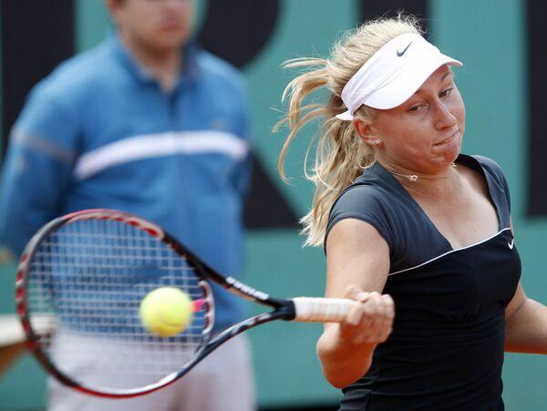 Дарья Гаврилова в финальном матче юниорского разряда Ролан Гаррос против Кристины Младенович