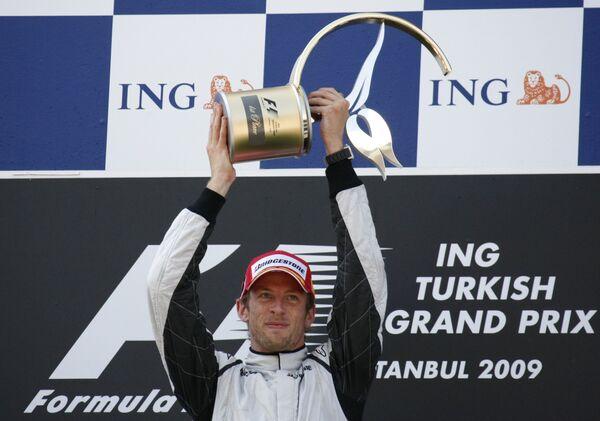 Дженсон Баттон празднует победу на Гран-при Турции