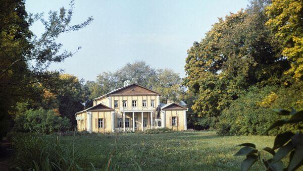 Государственный Лермонтовский музей-заповедник Тарханы. Архивное фото