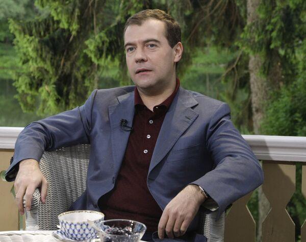 Беседа Дмитрия Медведева с ведущим информационно-аналитической программы Первого канала Кириллом Клейменовым