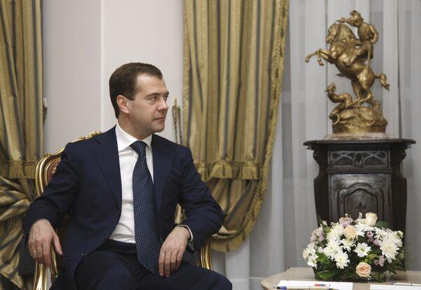 Д.Медведев посетил храмовый комплекс Святого Георгия в Каире