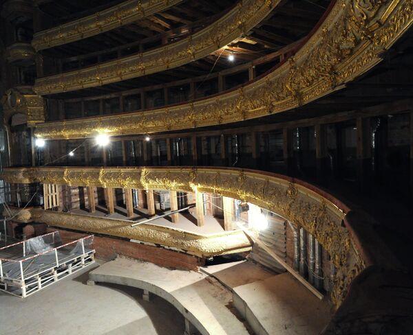 Реставрационные работы внутренних помещений Большого театра. Архив
