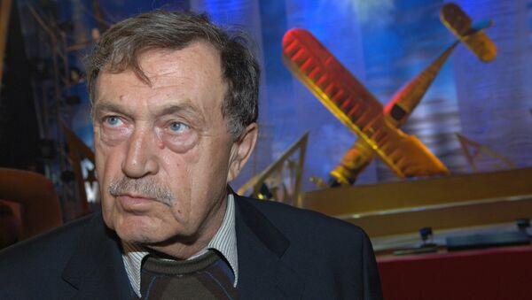 Писатель Василий Аксенов