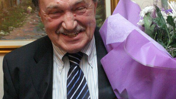 Василий Аксенов - лауреат премии Букер-Открытая Россия 2004