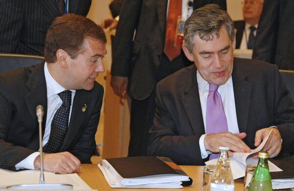Британские депутаты считают, что Браун не умеет вести диалог с РФ