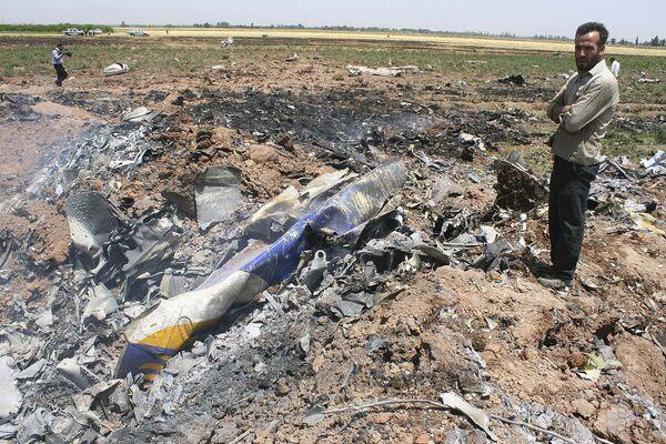 На месте крушения самолета Ту-154 авиакомпании Caspian Airlines в Иране