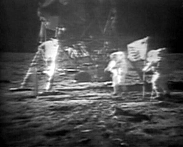 НАСА обнародовало новые кадры высадки человека на Луну