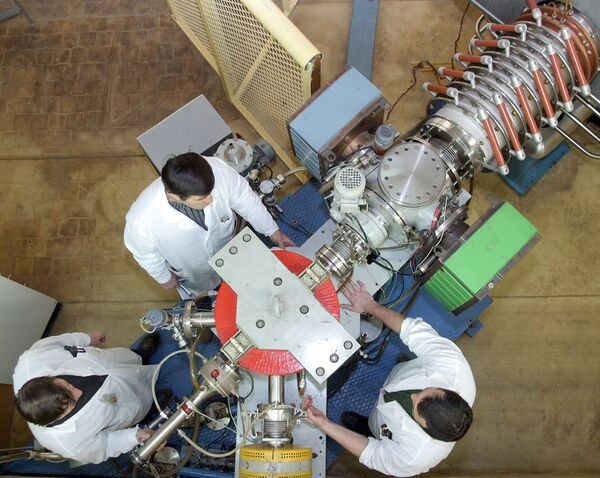 Открытие первых искусственных элементов стало началом нового направления ядерной физики и химии по исследованию свойств трансурановых элементов.